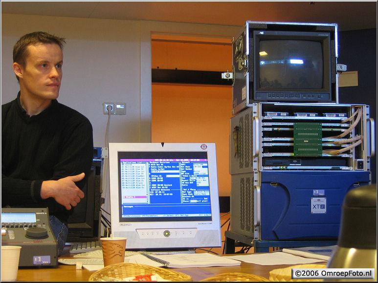 Doos 68 Foto 1357. Opleiding LSM (HardDisc recorder)