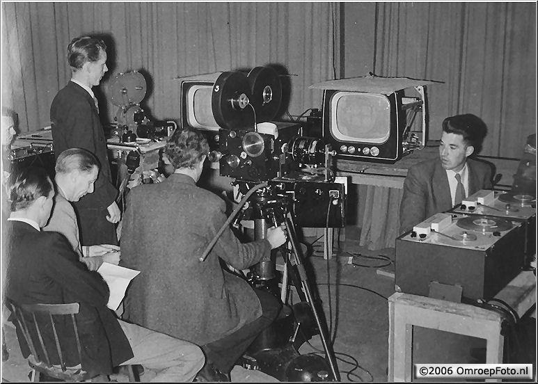 Doos 75 Foto 1500. Multifilm 1953 Filmen vanaf een beeldbuis; de vroegste opnamemogelijkheid...
