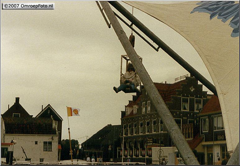 Doos 84 Foto 1675. 'Nederland Muziekland' in Volendam