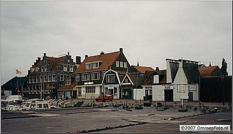 Doos 85 Foto 1682. 'Nederland Muziekland' in Volendam