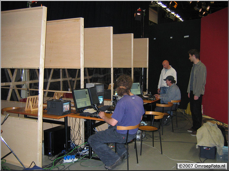 Doos 86 Foto 1714. Jungle Jury. Computerhoek, vier dieren, vier opstellingen