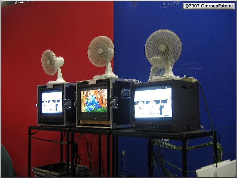Doos 87 Foto 1722. Jungle Jury. Koeling voor mens en computers