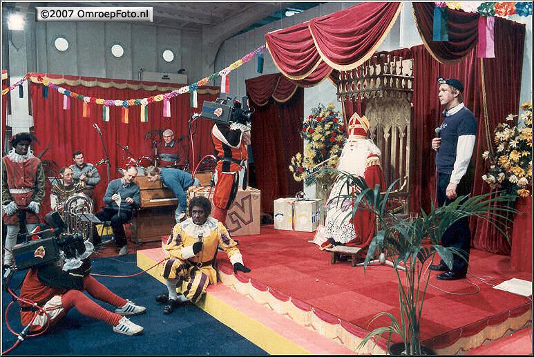 Doos 87 Foto 1738. Sinterklaas 1984 Terschelling
