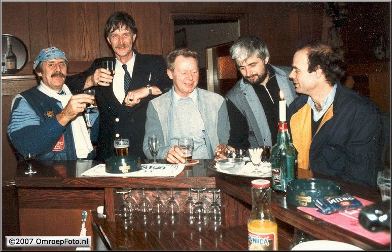 Op deze OmroepFoto : Vlnr: Theo Veen, ???, Ab Stuivenberg, Jan van Ooijen en Jan Steenman