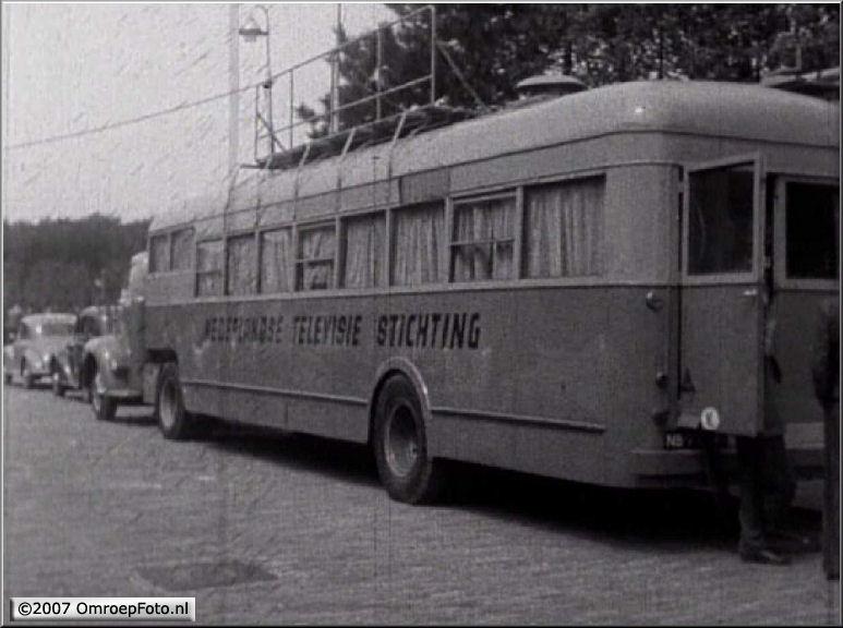 Doos 98 Foto 1943. Trein-1. Foto is van na 1954. Vanaf 1949-1954 stond er Philips op